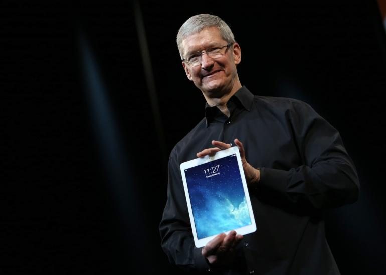 Apple-ipad-tim-cook